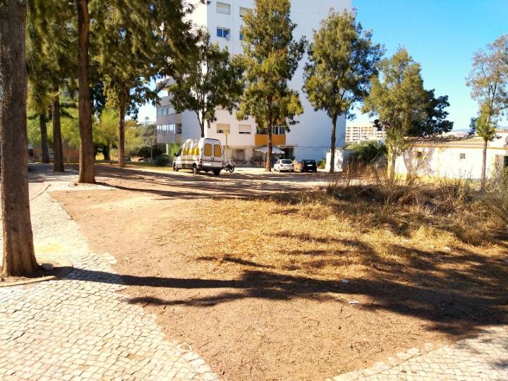 Terreno para construção com 377,5m², situado no centro da cidade de Portimão