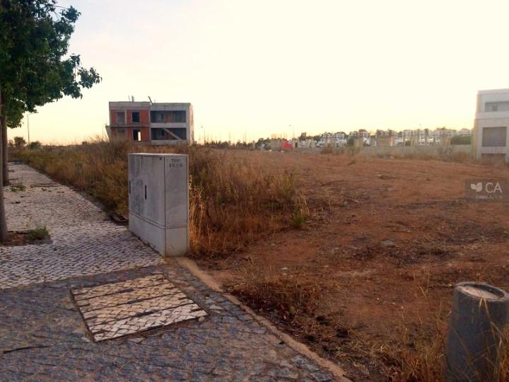 Terreno para construção com 505m² situado situado na zona da Porta Nova, próximo do centro da cidade de Tavira