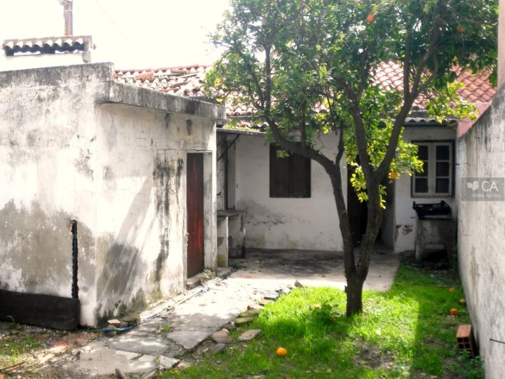 Moradia térrea de tipologia V2 com 57,9m² situada no centro da freguesia de Ervedal, concelho de Avis
