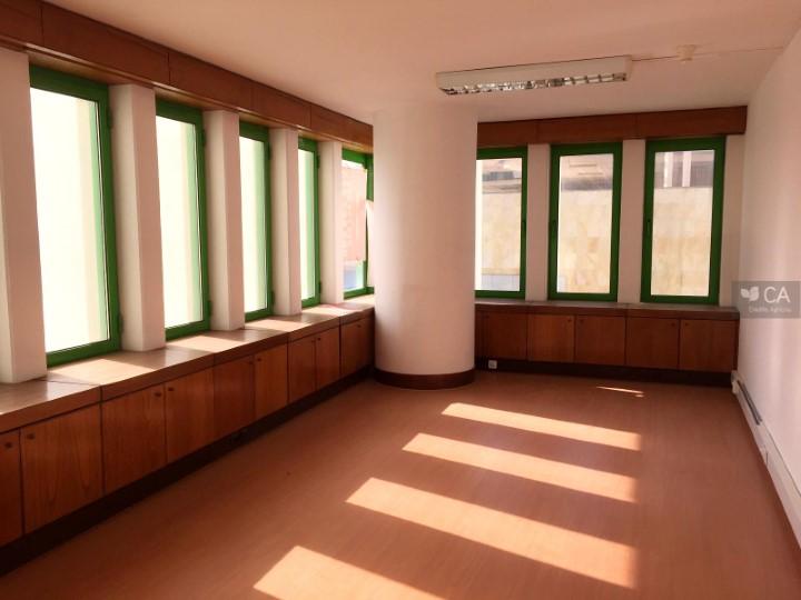 Escritório para venda com 267,2m², situado no centro da cidade de Vila Franca de Xira