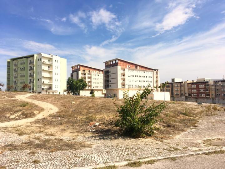 Terreno para construção com 540m², situado em zona de expansão de Camarate, concelho de Loures