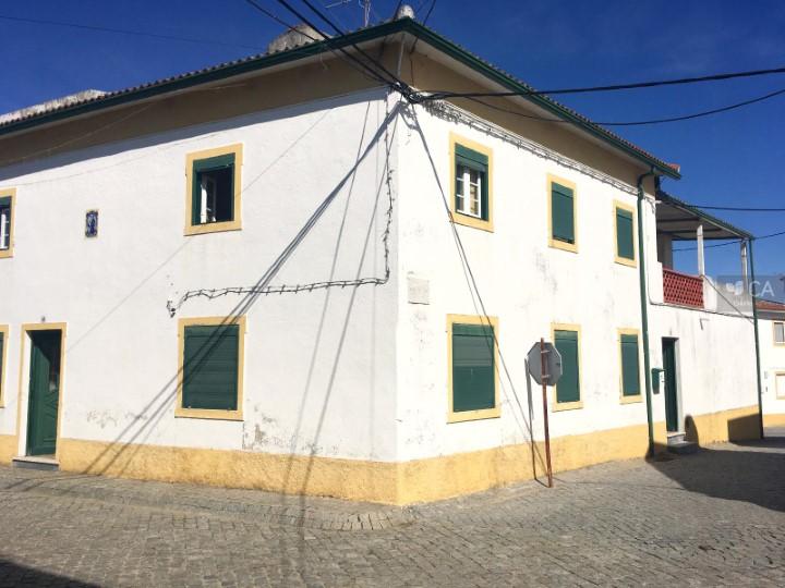 Moradia de tipologia V4 com 154m² para venda, situada em Vale do Peso, concelho de Crato