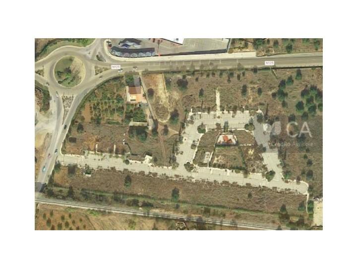 Lote de terreno com 157,5m2 destinado a construção de moradia em Vale de Caranguejo, a 1Km do centro de Tavira